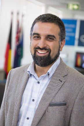 Hamza Vayani